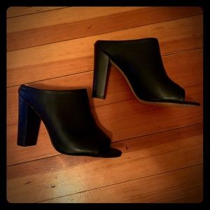 Mossimo black heeled shoes size 8.5